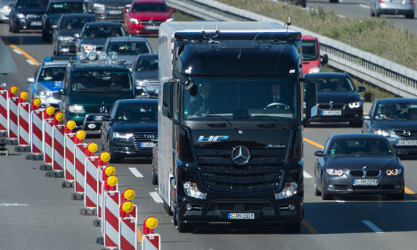 Daimler trials self-driving truck in Germany