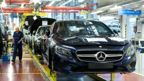 Daimler defies gravity with big China sales