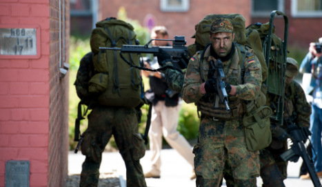 Schäuble moots ordering soldiers onto streets