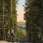 Two men on the Hohe Sonne plateau near Eisenach, Thuringia, with Wartburg Castle in the far distance.Photo: Collection Marc Walter/Taschen
