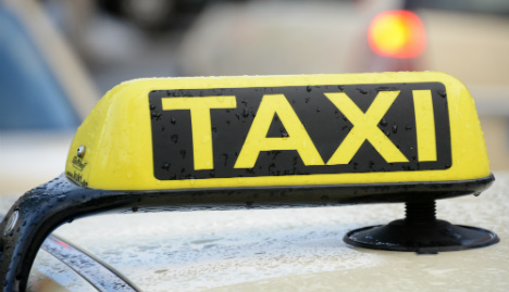 Honest taxi driver returns €14,000 to save family holiday