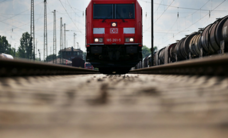 Refugee jumps to his death from moving train