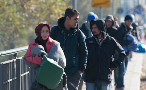 Record 2 million people moved to Germany in 2015