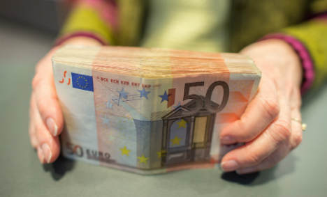 Honest Cologne woman gives back €48,000 found on street