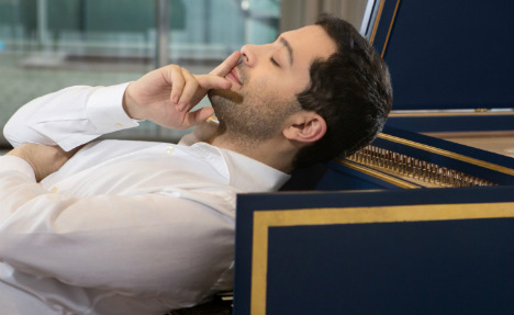 Snooty crowd turns nasty at harpsichordist's Cologne gig
