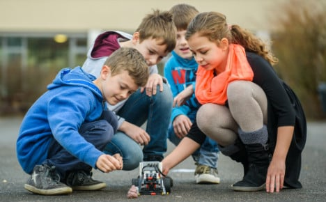 Kids invent robot to settle Germany's dog poo wars
