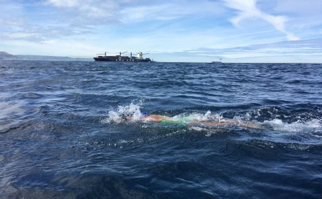 German swims from Europe to Africa in under 3 hours