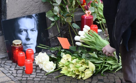 Berlin to honour Bowie with plaque outside old flat