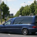 Driver loses hearse in central Munich - corpse and all