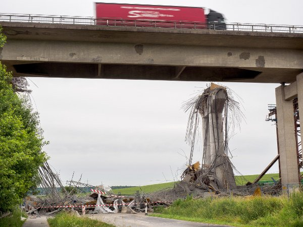 7 photos which show the aftermath of Bavaria's Autobahn bridge collapse