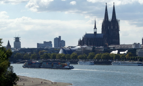 Kids playing on Rhine River find body parts in bag