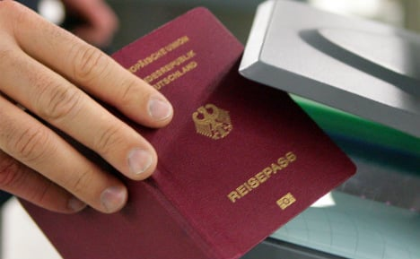 Vice-Chancellor calls to offer young Brits dual citizenship