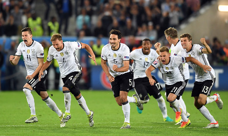 Germany squeeze past Italy on penalties to make semis