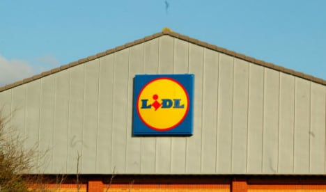 Couple plant bomb at Lidl to earn place in the Spanish sun