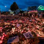 A sea of sorrow: Munich residents gather to mourn the killing of nine people.Photo: Photo: DPA