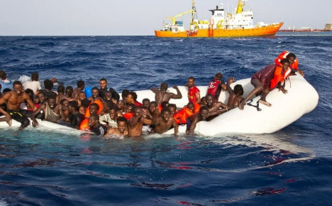 Merkel wants migrant return deals with N. African states