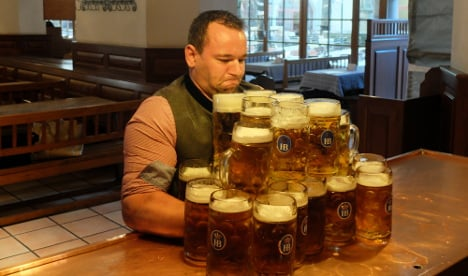 Beefy Bavarian tries to smash world beer-carrying record