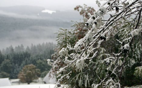 South sees first snowfall of season as cold bite sets in