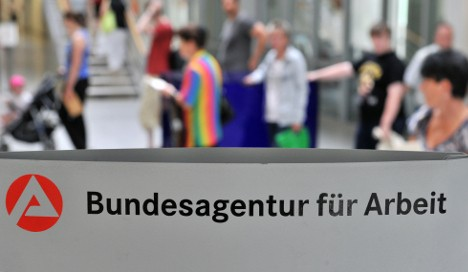 Germany to impose strict welfare curbs for EU migrants