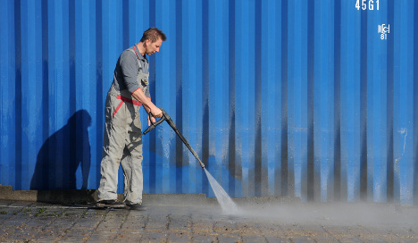 German hosemaker to France: stop misusing our name