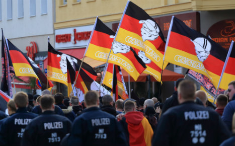 Far-right radicals try to storm east German police station