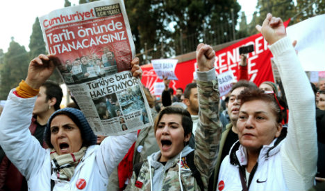 Berlin offers asylum hope to 'all Turkish dissidents'