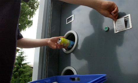 Man cheats recycling machine out of €44k with one bottle