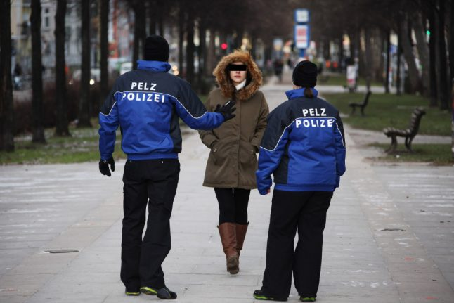 VIDEO: 'Fur police' activists busted for dressing like real cops