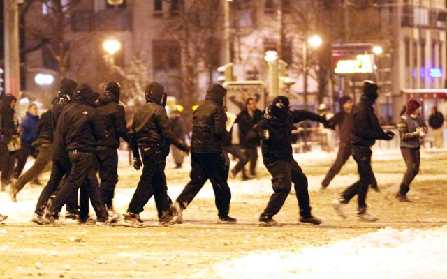 Dresden bans protest against anti-Islam movement over snowball fight fears