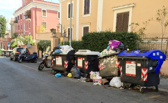 Pensioner fined €200 for searching for food in bins