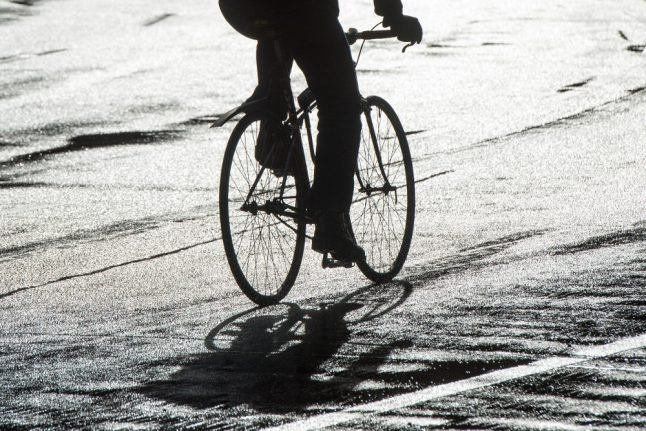 Fifth woman attacked by acid-throwing cyclist in Berlin