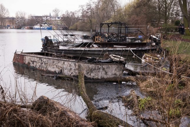 Six boats go up in flames on inlet off Berlin's Spree River