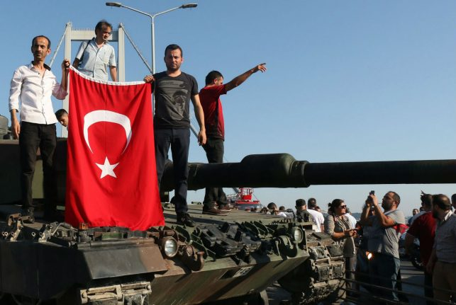 Hundreds of Turkish officials and families seek asylum in Germany