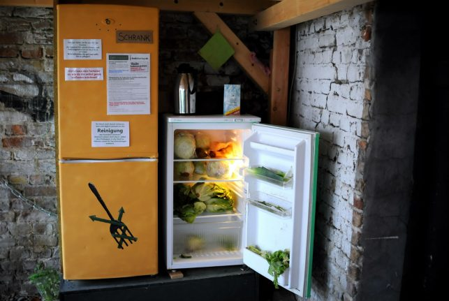 Recycling-mad Germans turn to sharing to battle waste