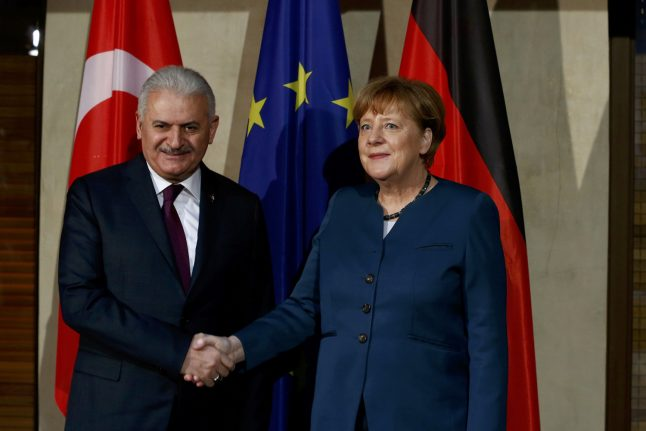 Turkey says Germany must choose between Ankara and alleged coup plotters