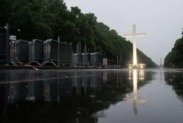 Berlin sets up toughest security yet for Obama visit during Church congress