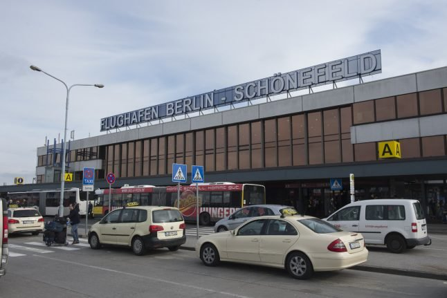Currywurst stand fire at Berlin airport shuts down terminals