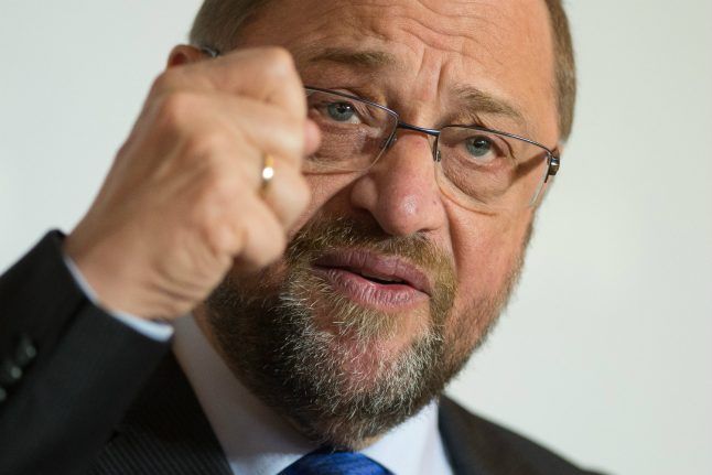 Merkel's chief rival Martin Schulz fights to save election campaign
