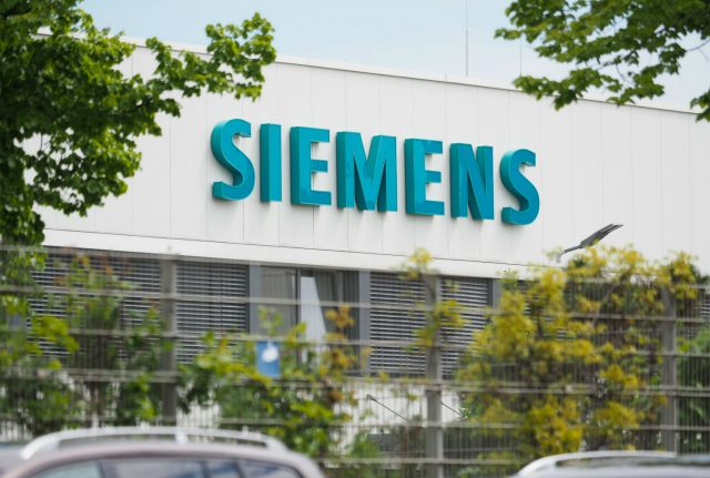 Siemens to cut back Russia trade after generators end up in Crimea