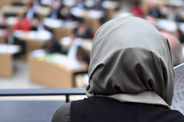 When Muslim women are allowed to wear headscarves in Germany, and when not