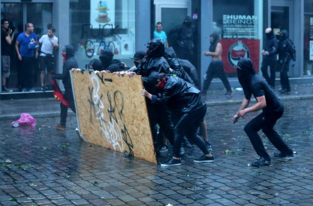 Foreign Minister accuses Merkel of 'passing the buck' on G20 riots