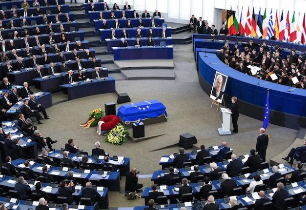 Europe pays tribute to Helmut Kohl, 'a giant' of post-war history
