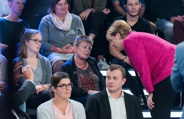 Cleaning lady takes anger out on Merkel over meagre pension