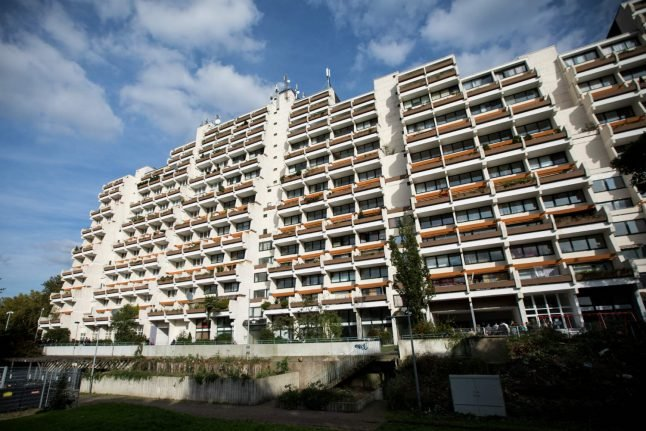 Residents of huge Dortmund housing complex ordered from homes over fire fears