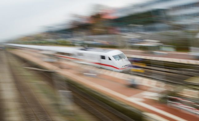 Man clings to side of high-speed train for 25km in pursuit of luggage