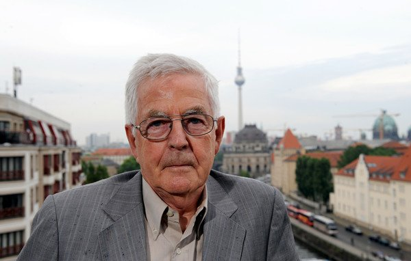 German architect Speer, son of top Nazi, dead at 83