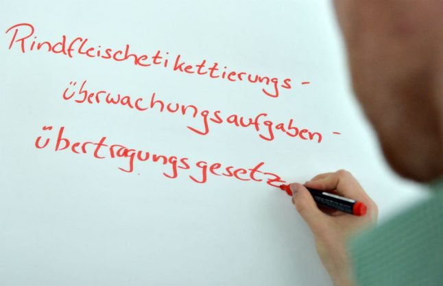 New Twitter rule will finally allow Germans to use more than three words, jokes Foreign Office