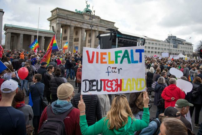 Thousands march in Berlin against far-right AfD