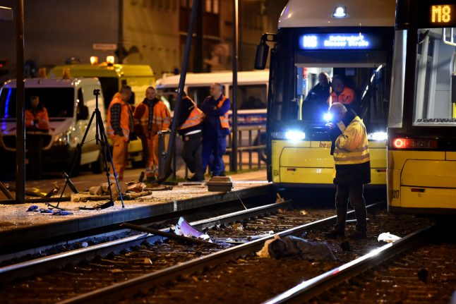 Woman killed in east Berlin after drunkard crashes car into tram stop