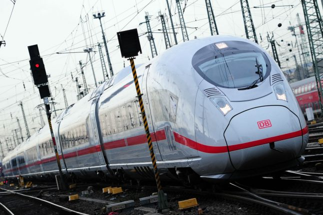Four days after storm, direct trains from Hamburg to Berlin start again